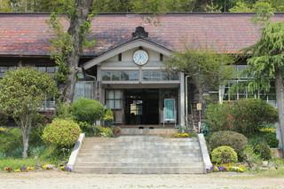旧上岡小学校 (1).jpg