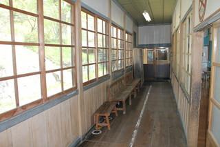 旧上岡小学校 (9).jpg